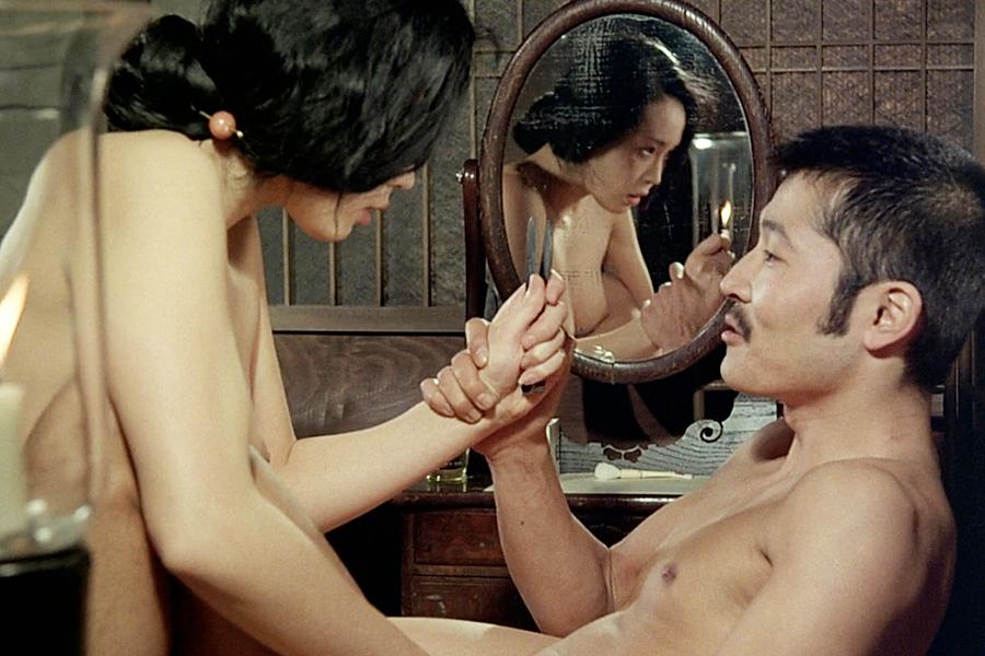 Как ебут японское эротич кино телка рукой